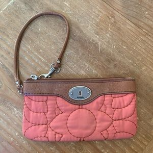 Fossil / Floral Embroidered Key-Per Wristlet